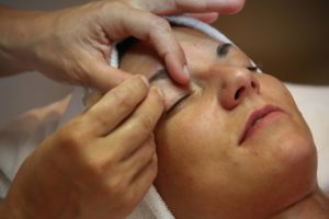 wie oft Kosmetikbehandlung